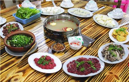 【万绿大道】【众味驴庄】6人套餐  仅售238元,市场价305元: