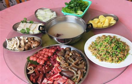 【兴源东路】众兴驴庄6-8人套餐,仅售350元,市场价422元;