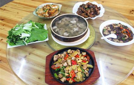 【建设大道东】树茅塘留香农家菜馆5-6人套餐,仅售248元,市场价301元;
