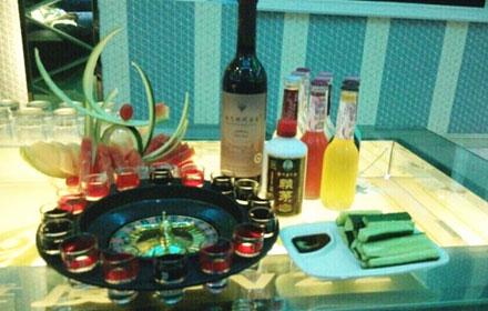 【宝源路】【维度90KTV】鸡尾酒套餐;中/小房晚间场(19:00-03:00)仅售388元,市场价556元