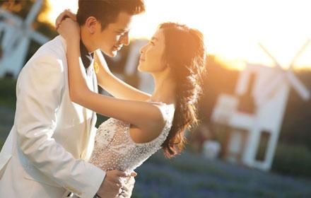 【凯旋城】百年印象摄影工作室【婚纱摄影B套餐】仅售2999元,市场价5999元;节假日通用