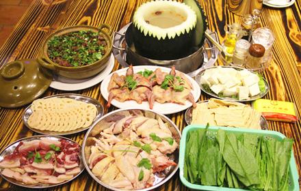 【河源大道】诚丰大酒店土菜馆6人鸡鸟火锅套餐,仅售288元,市场价326元。