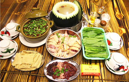 【河源大道】诚丰大酒店土菜馆5人火锅套餐,仅售168元,市场价225元。
