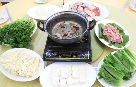 【客家公园】众信食府3-5人火锅套餐;仅售198元,市场价268元。