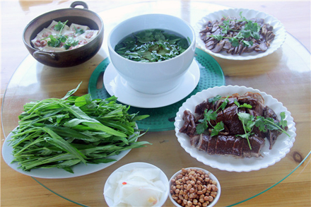 【东源县】天鹅湖农庄【4-6人套餐】仅售168元,市场价262元;节假日通用!