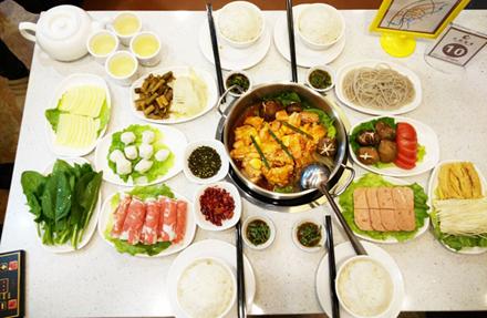 【坚基商业中心】天府留香4-5人套餐,仅售128元,尊享市场价236元