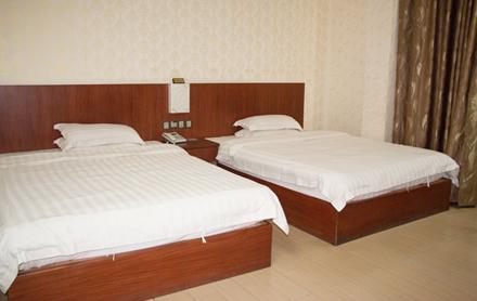 【龙川县】华庭商务宾馆标准单人房/标准双人房(2选1)入住1晚,仅售98元,尊享市场价100元