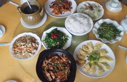 【黄子洞】赣客轩餐馆7-8人套餐;仅售238元,尊享市场价293元