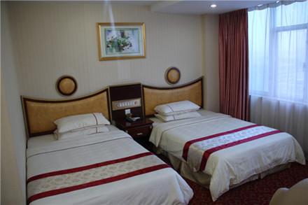 【东华路】龙宫商务酒店豪华双人房,仅售129元,尊享市场价180元。