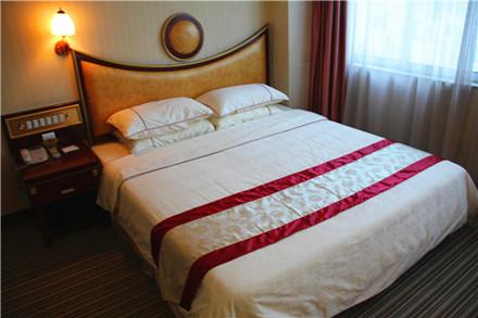 【东华路】龙宫商务酒店豪华单人房,仅售119元,尊享市场价168元。