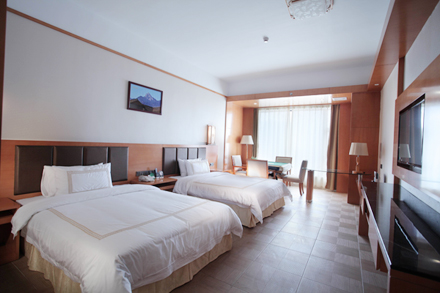 【和平县】和平县世纪大酒店棋牌房,仅售358元,尊享市场价1088元。