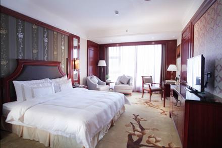 【和平县】和平县世纪大酒店豪华大床房/豪华双人房(2选1)仅售268元,尊享市场价788元。