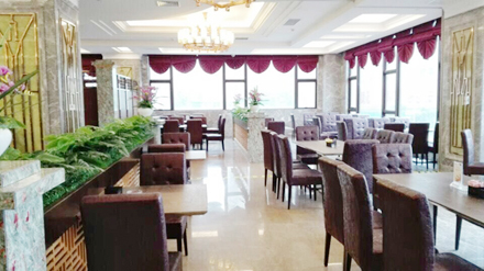 【五折卡】和平新世纪大酒店(海鲜自助餐)原价128元(每天)使用五折卡成人54元一位,儿童27元一位